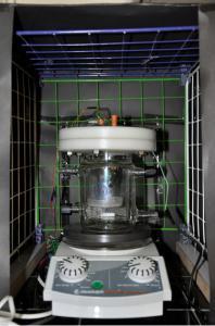 راکتور فتوکاتالیستی به صورت ناپیوسته و مخلوط شونده.jpg -